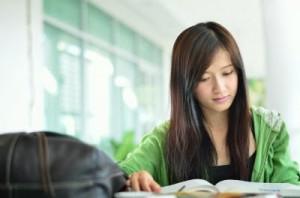 8 manfaat membaca