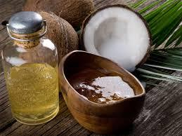 8 manfaat minyak kelapa untuk rambut