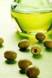 4 khasiat minyak zaitun untuk wajah