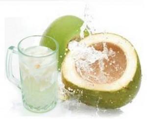 8 khasiat air kelapa hijau