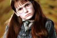 Moaning Myrtle | Wiki | Harry Potter Amino for Harry Potter Bathroom Ghost