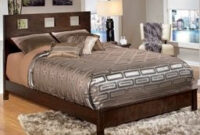 Exchange Online Store [C203] - Product: Winlane King Bed in Ashley Signature Design Furniture Collection