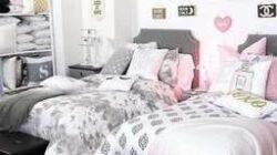 ห้องนอนน่ารักมากๆ จริงๆ เลยค่า กับห้องนอนโทนสว่างสีเทาชมพู inside Teenage Bedroom Design For Girls